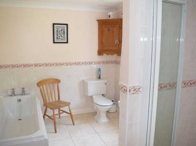The Moorings family bathroom